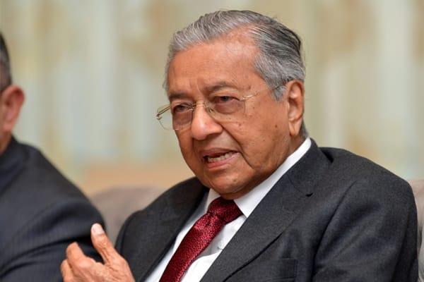 Panas !!! Mahathir mulakan gendang perang, Muhyiddin kini jadi sasaran utama