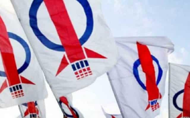Imej DAP dalam kalangan pengundi Melayu boleh diperbaiki, jika ia setuju bekerjasama dengan Umno
