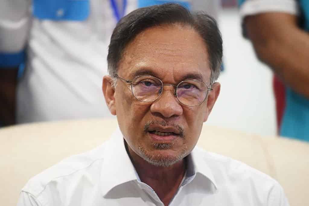 Anwar mahu tempoh moratorium pinjaman bank dilanjutkan lagi