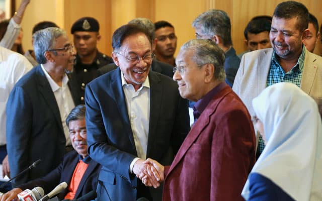 Panas !!! AMK tuntut Dr Mahathir tepati janji sokong Anwar
