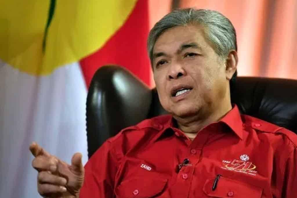 Panas !!! Zahid 'sindir' menteri Umno dalam kerajaan PN