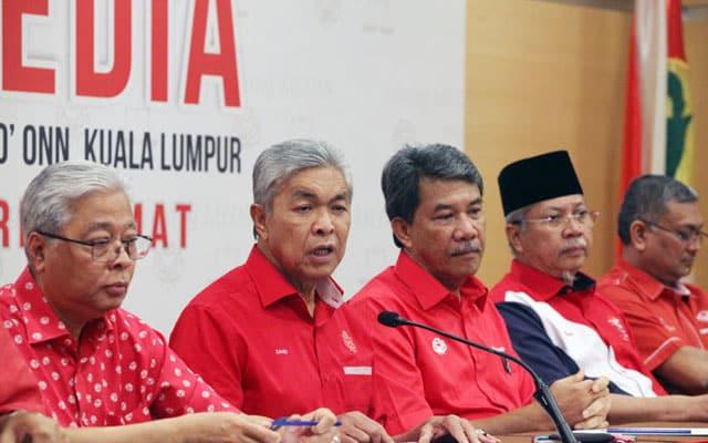 PH atau PN : Dua fraksi dalam Umno kini dalam dilema, menurut sumber