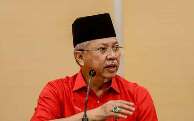 Kementerian Wilayah perlu contohi kerajaan negeri Selangor beli dos vaksin