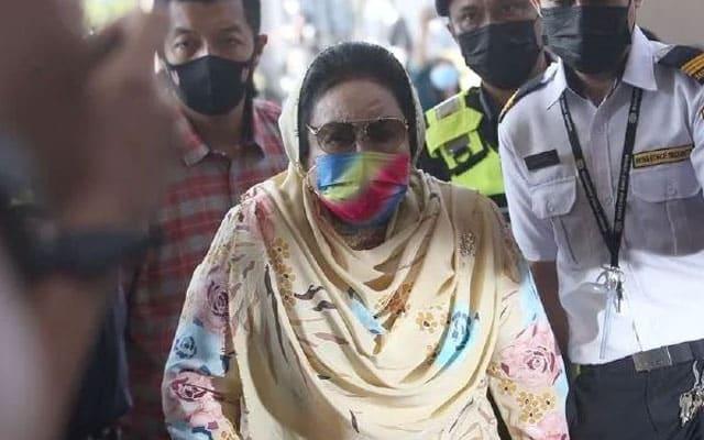 Rosmah pilih untuk beri keterangan di kandang saksi